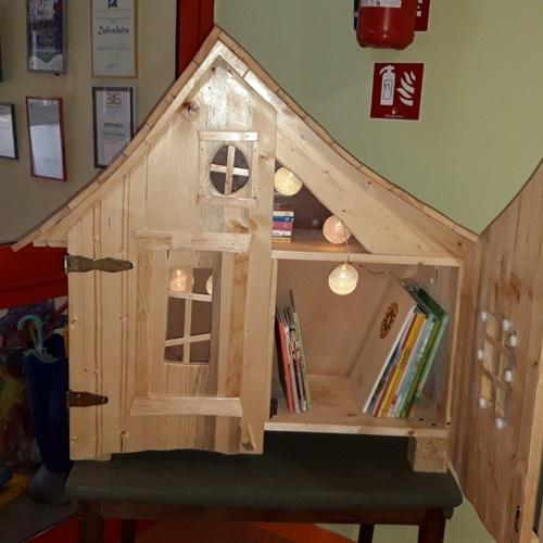 Kućica za slikovnice i knjige je otvorena!