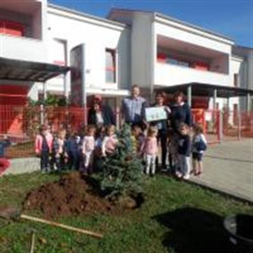 """U Dječjem vrtiću Viškovo posađena prva stabla u sklopu akcije """"Zasadi drvo ne budi panj"""""""